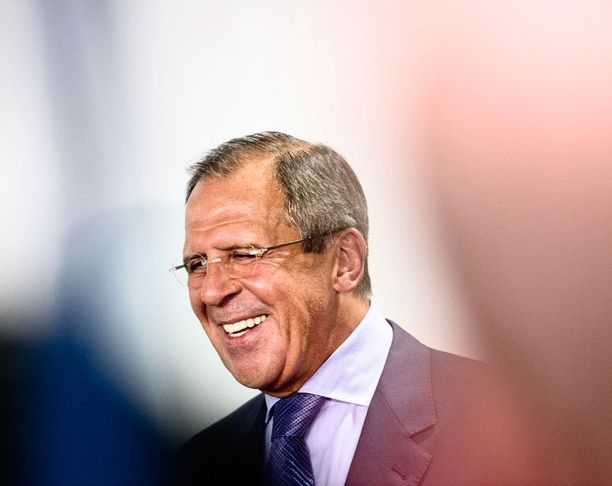 Venäjän ulkoministeri Sergei Lavrov toivotti ulkomaalaiset tervetulleeksi Krimille katsomaan loistavaa tilannetta omin silmin.