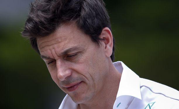 Mercedeksen tallipäällikkö Toto Wolff kiivastui FIA:n liiankin avoimesta tiedotteesta.
