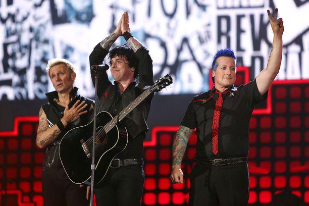 Tre Cool, Billie Joe Armstrong ja Mike Dirnt nähdään keväällä Suomessa.