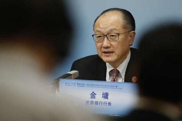 Maailmanpankista ennakoitua aiemmin vetäytyvä Jim Yong Kim toimi ennen eroilmoitustaan toisella kaudellaan laitoksen pääjohtajana.