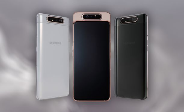 Näyttö peittää lähes kokonaan Galaxy A80:n etuosan.
