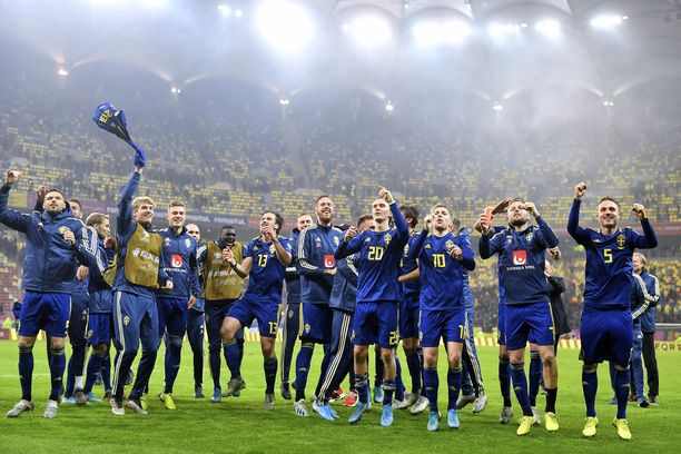 Ruotsi varmisti paikkansa ensi kesän EM-kisoihin Huuhkajien tavoin perjantai-iltana.
