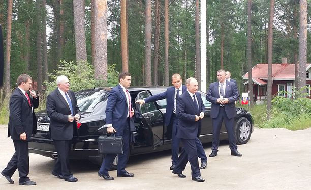 Putin saapui Hotelli Punkaharjulle.