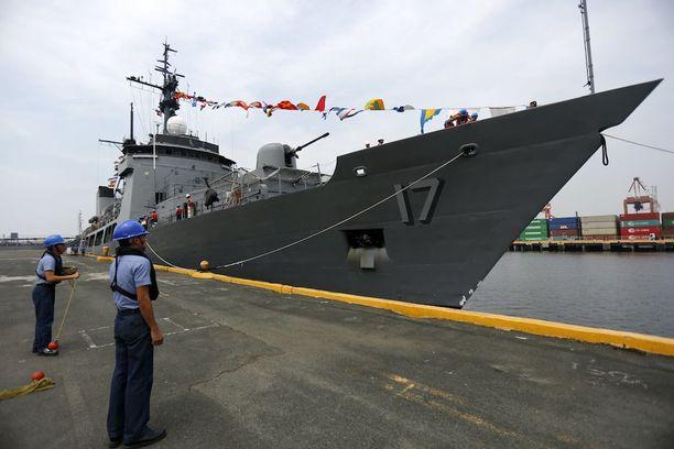 Filippiinien laivasto on valmiina matkaamaan kiistellyille saarille.