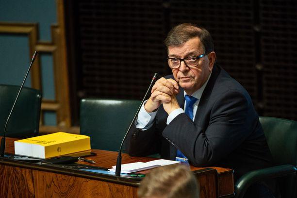 Tähtiliikkeen Paavo Väyrynen eduskunnan täysistunnossa viime lokakuussa.