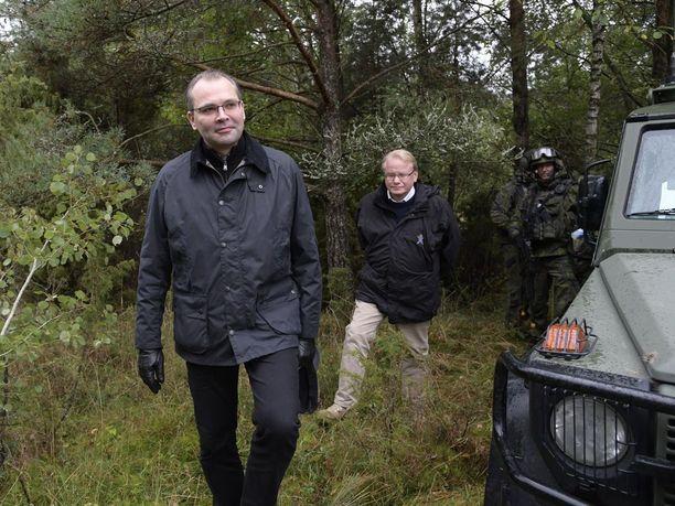Suomen puolustusministeri Jussi Niinistö ja Ruotsin puolustusministeri Peter Hultqvist tapasivat tiistaina Espoossa ja Helsingissä. Kuva syyskuulta 2017.