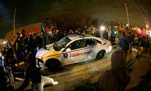 Fergusonin tapahtumista alkoi protestivyöry USA:ssa, etenkin Missourin osavaltiossa.