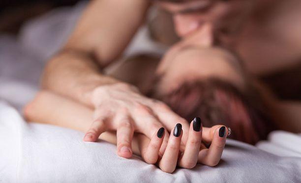 Stressi ja ahdistus vaikuttavat negatiivisesti nuorten ja vanhempienkin seksielämään.