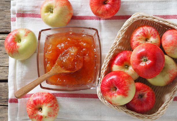 Höyryuunissa omenahillo valmistuu vaivattomasti.