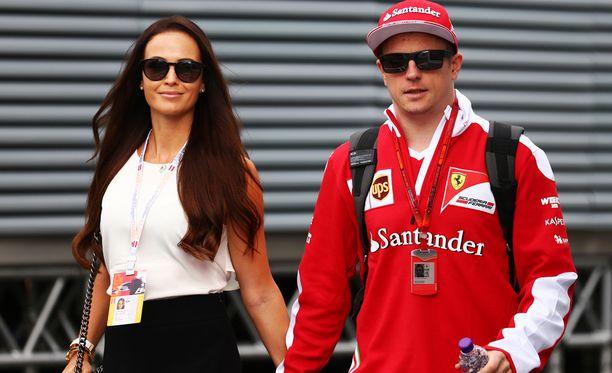 Minttu ja Kimi Räikkönen juhlivat ensimmäistä kertaa Suomessa.