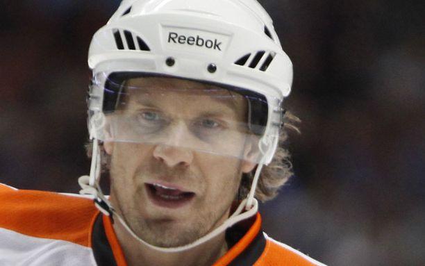 Kimmo Timonen on tyytyväinen Flyersin alkukauteen.