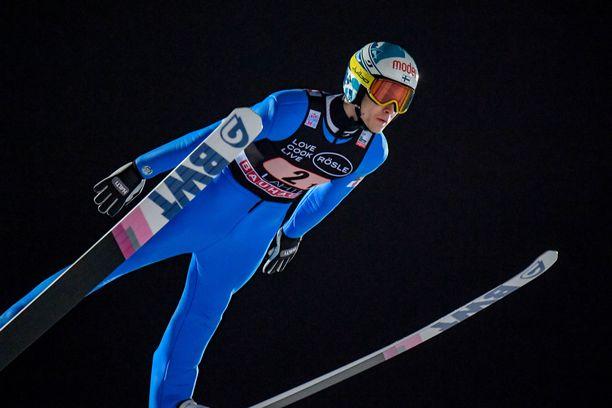 Antti Aallon meno takkusi Willingenissä.