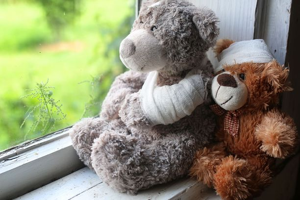Münchhausenin oireyhtymä nousi julkiseen keskusteluun, kun Keski-Suomen käräjäoikeus alkoi käsitellä tapausta, jossa keskisuomalaista naista syytetään oman poikansa pahoinpitelystä. Syyttäjän mukaan taustalla on sama oireyhtymä.