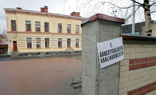 Äänestysmatkoissa on isoja alueellisia eroja. Arkistokuva Oulusta.