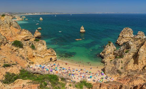 Houkuttaako rantaloma? Algarve ei ole syyttä suosittu.
