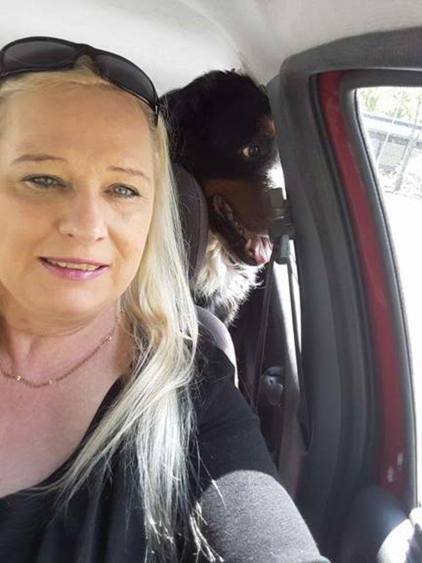 Federer-koira rakasti automatkoja. Koiran omistaja Caritta Salifun mukaan se tykkäsi katsoa vaihtuvia maisemia.