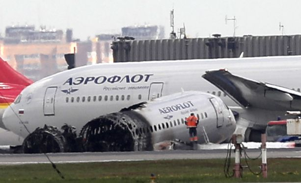 Sunnuntaina 5. toukokuuta Aeroflotin SSJ-100 koneen tekemässä hätälaskussa kuoli 41 ihmistä. kun koneen takaosa syttyi tuleen.