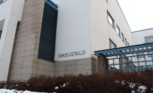 Keski-Suomen käräjäoikeus passitti naisen mielentilatutkimukseen. Tuomio annetaan tutkimuksen valmistuttua.