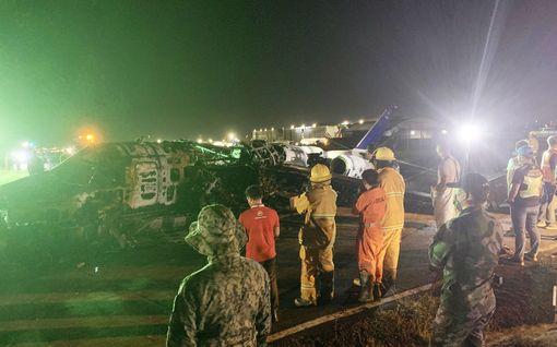Ambulanssilento syttyi tuleen Filippiineillä - kaikki kyydissä olleet kuolivat
