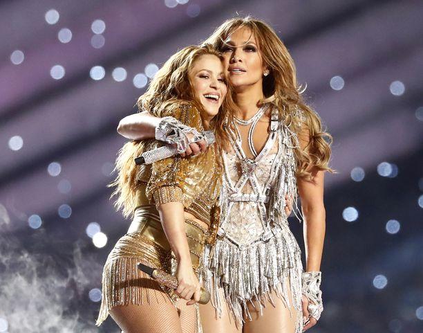 Shakira ja Jennifer Lopez vetivät yhdessä energisen show'n helmikuussa.