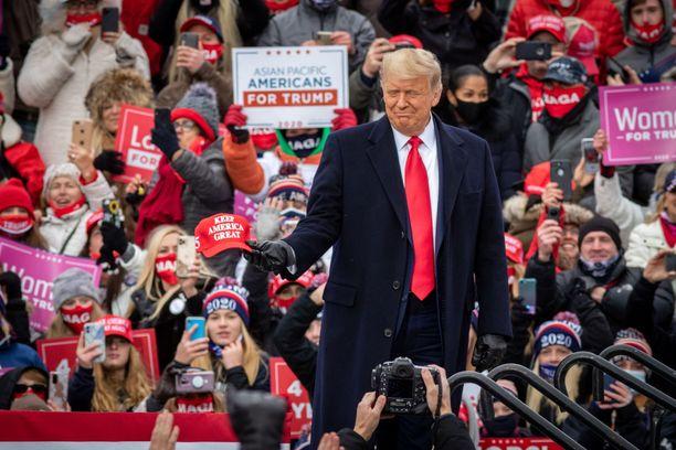 Donald Trump haluaa nauttia viimeisistä päivistään Yhdysvaltojen presidenttinä.