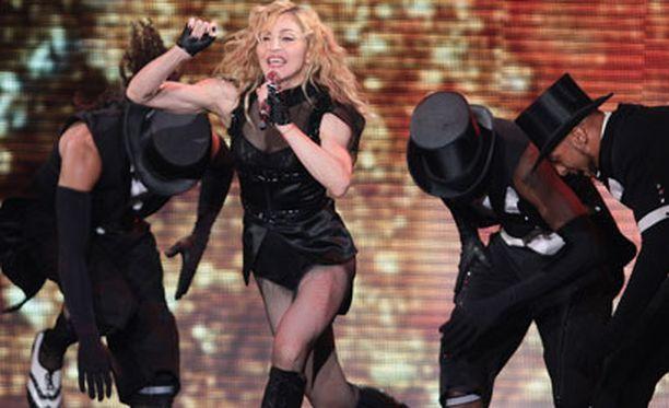 Viisikymppisen Madonnan käsivarret ovat herättäneet keskustelua.