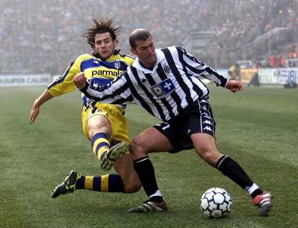 Zinedine Zidane pelasi Juvessa 214 ottelua ja teki 31 maalia vuosina 1996-2001.