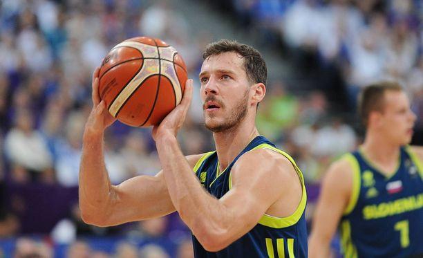 Goran Dragiæ teki teki lopulta 29 pistettä Suomea vastaan.