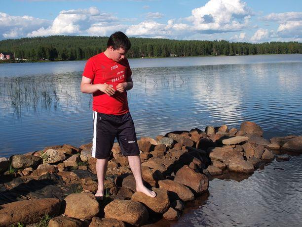Petteri Laineen perhe kävi kovan taistelun, jotta autistinen nuori mies pääsi asumaan haaveiden ryhmäkotiin Rovaniemellä.