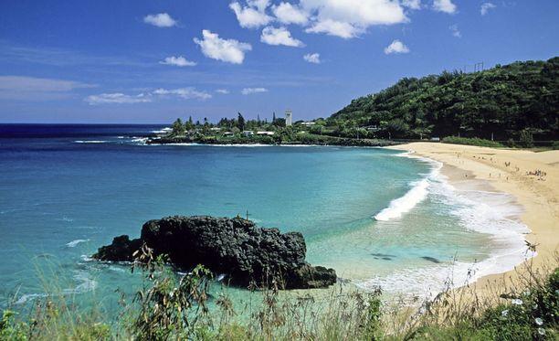 Havaijin saaria ympäröivät koralliriutat.