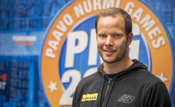 Tero Pitkämäki odottaa Oliver Helanderilta 90 metrin heittoa tällä kaudella, eikä pidä omaakaan 90 metrin kaarta mahdottomana. Edellisen kerran Pitkämäki, tai ylipäänsä kukaan suomalainen, on puhkaissut 90 metrin rajan vuonna 2007.