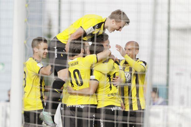 FC Honka haastaa HJK:n keskiviikkoillan huippupelissä.