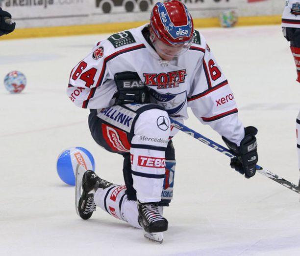 Mikael Granlundin hieno tulokaskausi päättyi pettymykseen, kun HIFK tippui puolivälierissä HPK:lle.