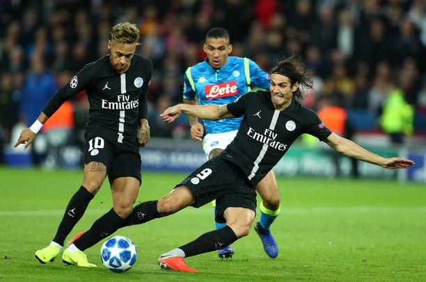 Yli-innokas Edinson Cavani pilasi Neymarille avautuneen maalipaikan.
