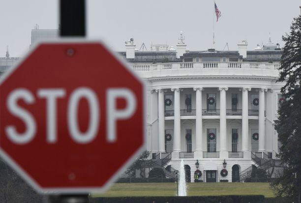 Yhdysvaltojen hallinto on suljettu, koska presidentti Donald Trump haluaa 5 miljardia dollaria muuria varten.
