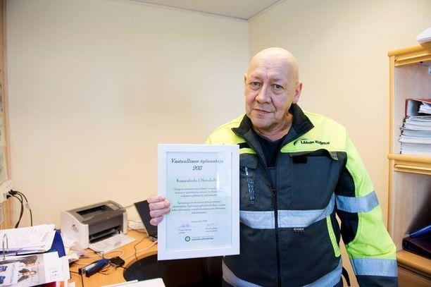 Juhani Nietula palkittiin vastuullisena työnantajana Tampereen alueella vuonna 2011. - Ei voi rahalla mitata sitä hyvää mieltä, joka tulee, kun onnistuu saamaan nuoren työelämään mukaan.