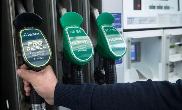 Neste lopettaa polttoaineen jakelun viikoksi juhannuksen jälkeen.