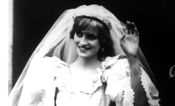 Prinsessa Dianan hääpuku on yksi historian ikonisimmista.