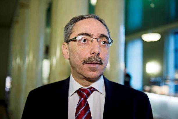 Kokoomuksen kansanedustaja Ben Zyskowicz pitää Fortumin selitystä koomisena.