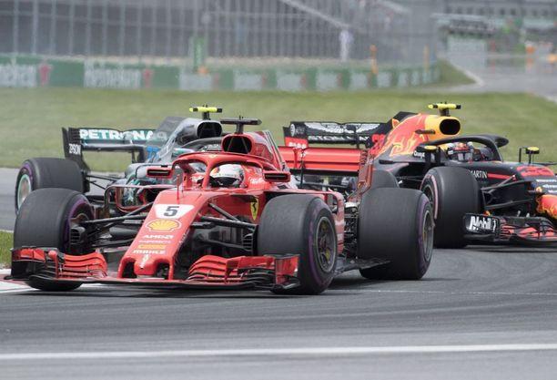 Sebastian Vettel ajoi Kanadassa paalulta voittoon ja nousi MM-johtoon.