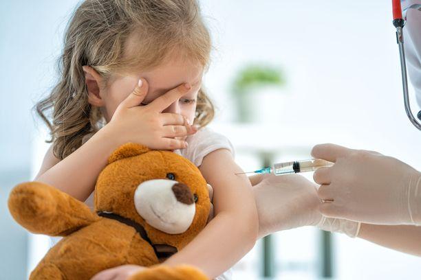 Suomessa MPR-rokotesarjan ensimmäinen osa annetaan noin vuoden ikäisenä ja toinen kuusivuotiaana.