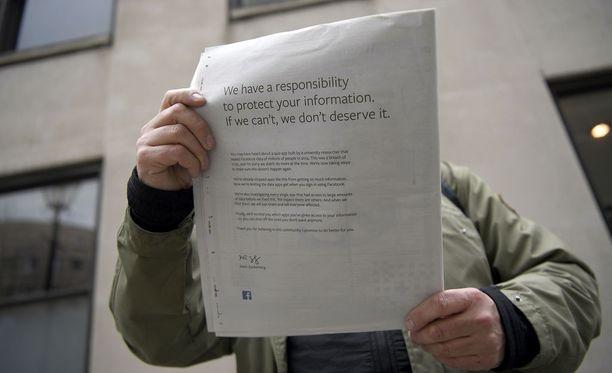 Zuckerbergin anteeksipyyntö kiersi paperilehdissä.