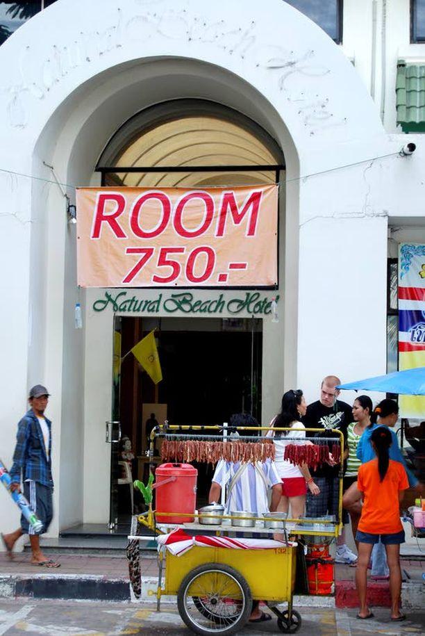 Rantakadun pikkuhotelli mainostaa hotellihuonetta lyhyeenkin käväisyyn alle 20 eurolla.