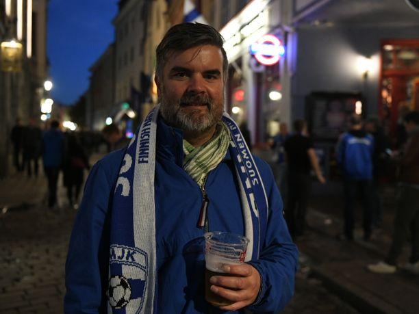 Joni Lähteenmäki on käynyt katsomassa Suomen pelejä kotona ja vieraissa 10–15 vuotta.