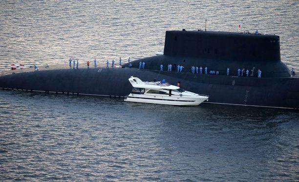 Dmitri Donskoi on valtavan kokoinen ydinsukellusvene.