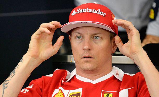 Kimi Räikkönen jahtaa muiden kuskien tavoin MM-pisteitä tänä viikonloppuna Japanissa.