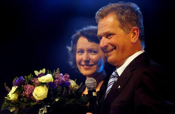 Presidentti Sauli Niinistön vaalikampanja sai tuhansien eurojen edestä rahoitusta ABC Investiltä. Kuvassa myös presidentin puoliso rouva Jenni Haukio.