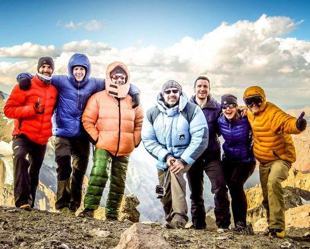 Onnellisempina aikoina kiipeilijäystävien kanssa. Kuva on vuodelta 2015.