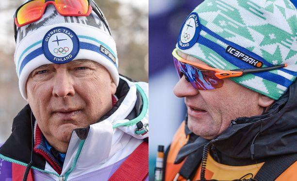 Reijo Jylhä luovuttaa päävalmentajan valtikan Matti Haavistolle (oik.).