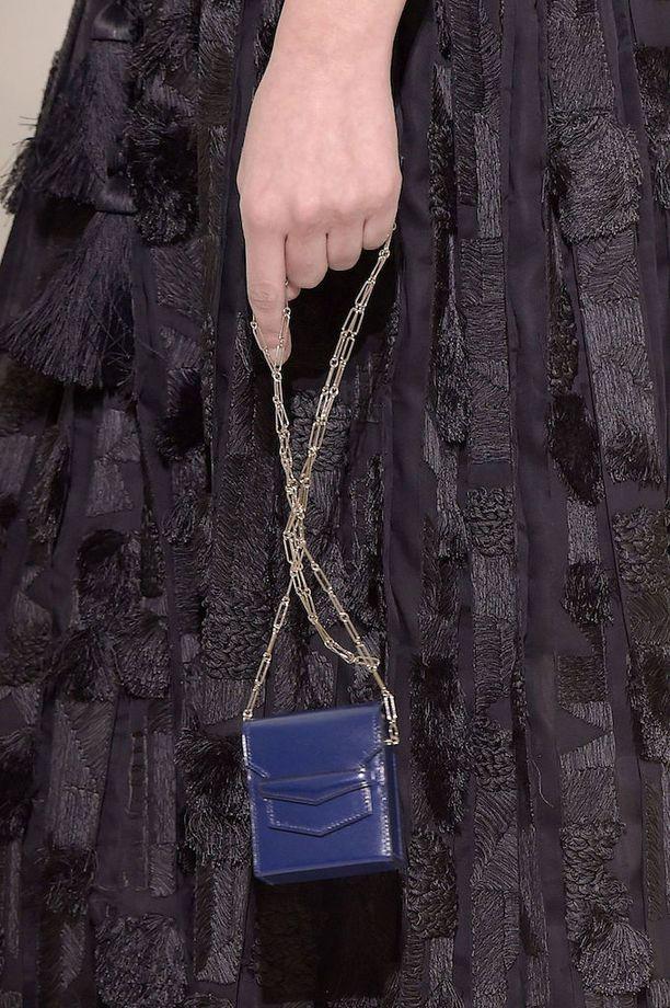 Hermès vie trendin äärimmilleen. Kevät/kesä-mallistoa viime vuoden syksyllä järjestyltä Pariisin muotiviikolta.